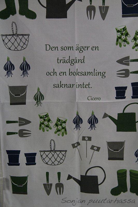 Kaikki paitsi puutarhanhoito ja lukeminen on turhaa. Niin totta!